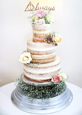 cake wed.jpg
