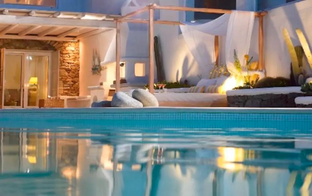 Luxury villa in Mykonos with Helenika Travels