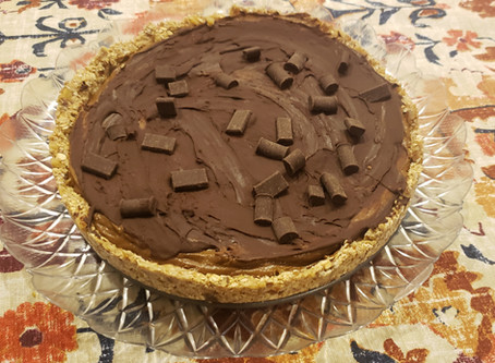 Healthy Vegan Chocolate Pie - Can you guess what the surprise ingredients are inside?