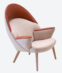 PP-Møbler model PP521 Polstret Påfugle stol set fra siden - tegnet af Hans J. Wegner