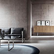 Sofabord, sofa og skænk her i smuk kombination