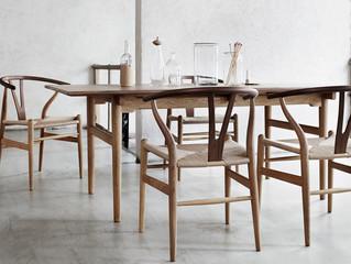 CH24 også kaldet Y-stolen tegnet af Hans J. Wegner til Carl Hansen & Søn