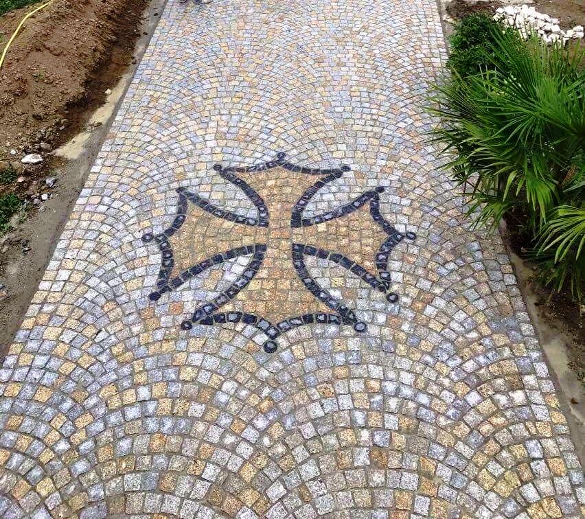 symbole des croisés en pavé granit
