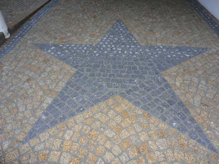 Granite cobblestone pattern