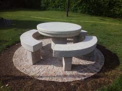 Table et bancs en granit sur mesure