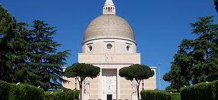 Roma_EUR_Basilica_santi_Pietro_e_Paolo.j
