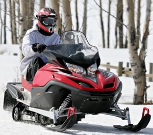 Upper Peninsula snowmobiling, stay at Northwoods Motel