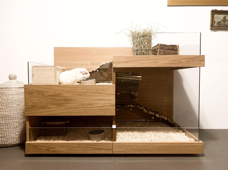 Meerschweinchen Gehege aus Holz. Modell Stadthaus in Eiche.