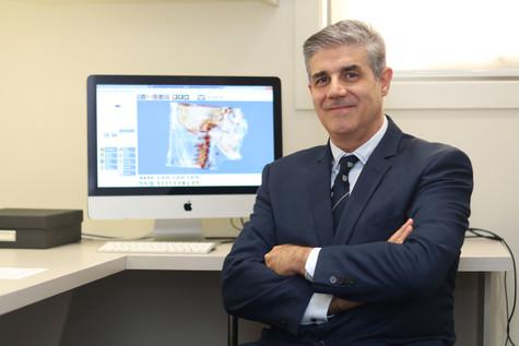 Dr Peter Tsakiris