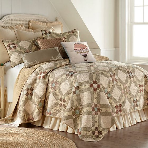 AMERICAN BEAUTY QUILT
