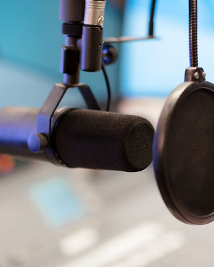 microphone-in-modern-radio-station-broad