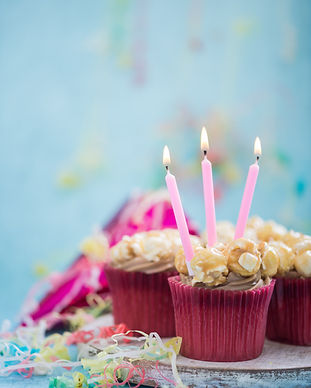 cupcake-with-birthday-candle-PW682ST.jpg