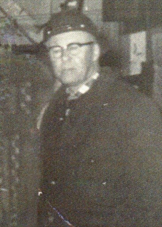 Mckinnon, John R 1942-1943