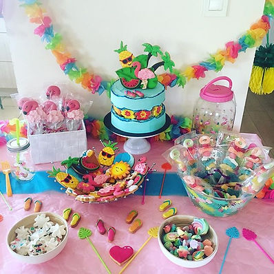 Sweet table Hello Summer avec_Gateau fau