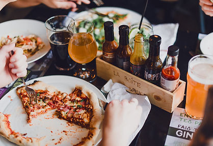 Hopera, pizzeria Hopera, sauce piquante, sauces piquantes, sauce piquante maison, bar à sauces piquantes, pizza maison, four à pizza, pizza Saguenay, pizzeria Saguenay, pizzeria Jonquière, pâte maison