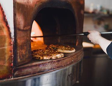 Hopera, pizzeria Hopera, microbrasserie et pizzeria, pizza maison, four à pizza, pizza Saguenay, pizzeria Saguenay, pizzeria à Jonquière, pâte maison