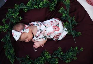 Ahryah Newborn-15.jpg