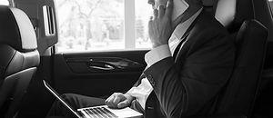 Chauffeur privé à Nantes (44), Nantes Private Chauffeurs, votre service de chauffeurs privés à Nantes (44). Chauffeur privé pour accompagnement privé ou professionnel, Gares , Aéroport, Hôtel. Nantes Private Chauffeurs, votre services de chauffeurs et taxi privés à Nantes