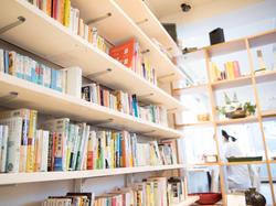bookshelf.001