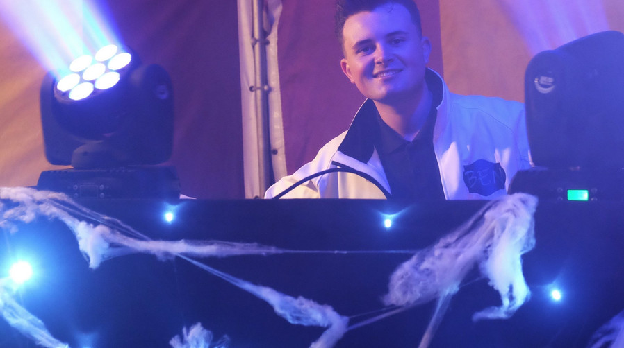 DJ Hire Somerset Devon.JPG