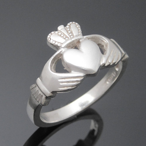 Extra Heavyweight Claddagh Ring