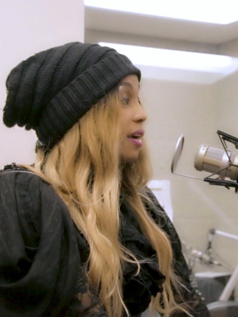 Zaina on 88.1 FM