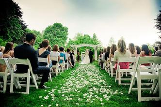 indianapolis-museum-of-art-garden-wedding-ceremony.jpg