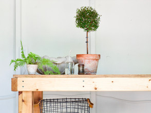 ONE ROOM CHALLENGE, WEEKS 5,6 | DIY Moveable Workbench And Reflection