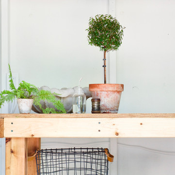 ONE ROOM CHALLENGE, WEEKS 5,6   DIY Moveable Workbench And Reflection