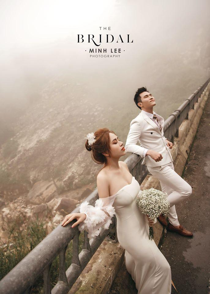Minh Anh: Khoe bộ ảnh cưới lung linh cùng vợ tại Đà Lạt sau hậu hôn lễ bí mật.