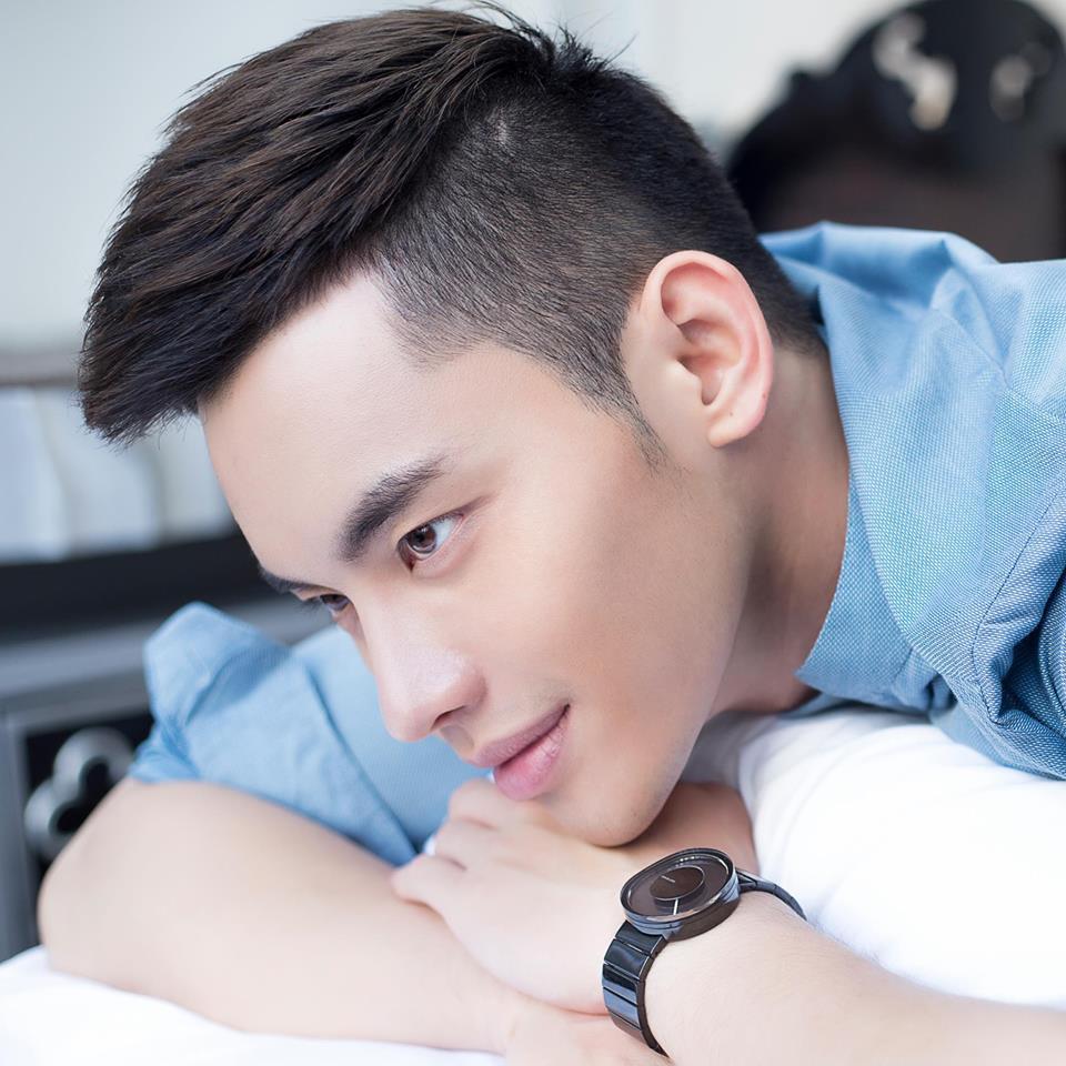 Trần Mạnh Khang: Chàng mẫu được bầu show hàng đầu Đài Loan phát hiện khi đang làm phục vụ.
