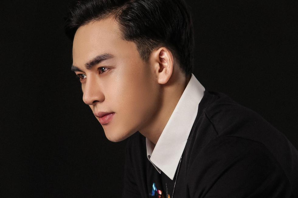Tưởng Ngọc Minh: Quá đẹp đôi với nam thần Hàn Quốc