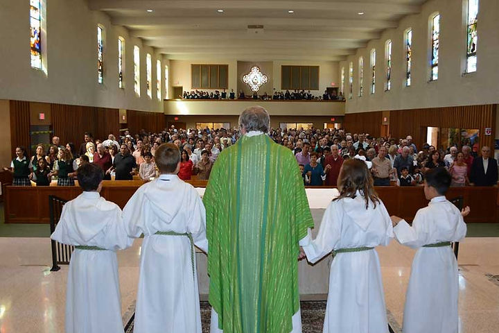 altar-servers-sttherese-school-grandpare
