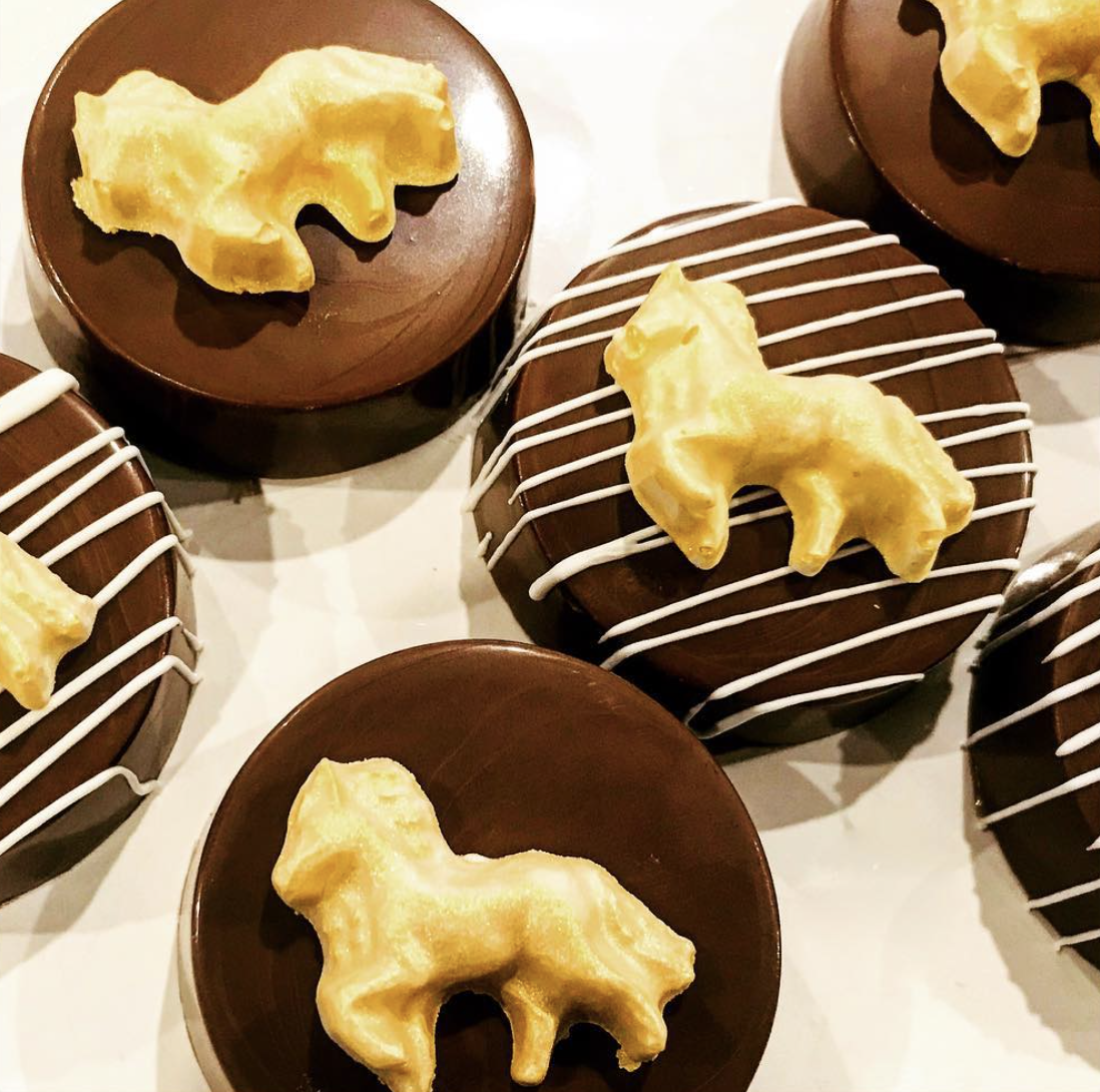 Horse Stable Chocolate Covered Oreos
