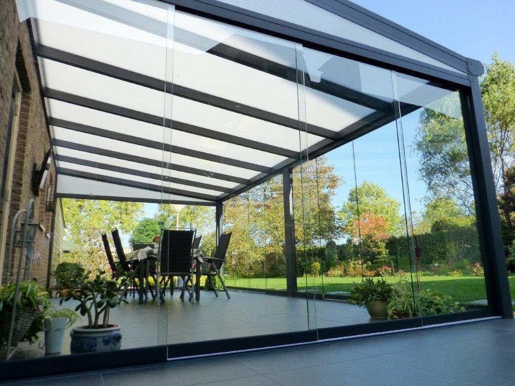 Terrassendach HEATSTOP® mit Glasschiebewänden
