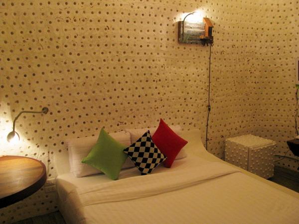 017MO Room Hotel.jpg