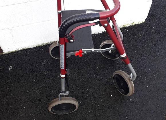 Rolator 4 roues pour enfant ou petite taille