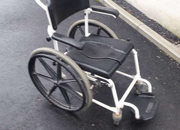 Chaise de douche/chaise percée
