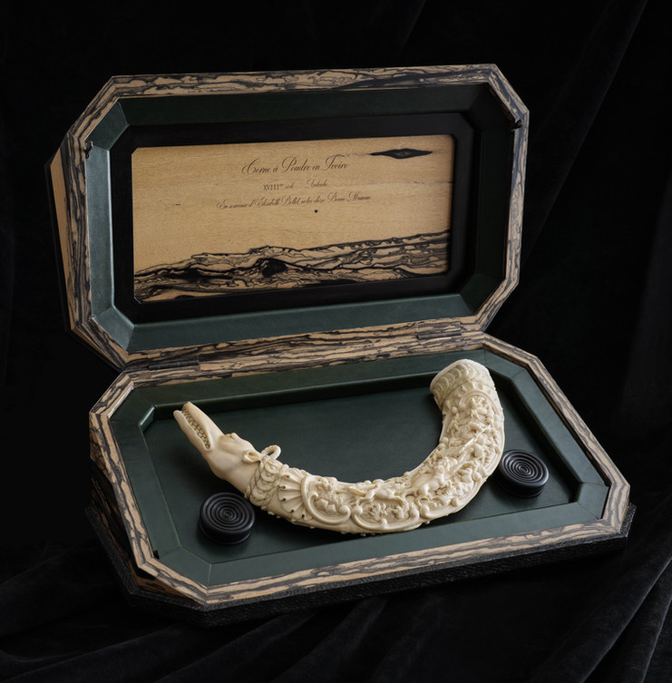 corne en ivoire sculptée XVIIIème