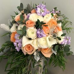 white peach lavender bouqeut