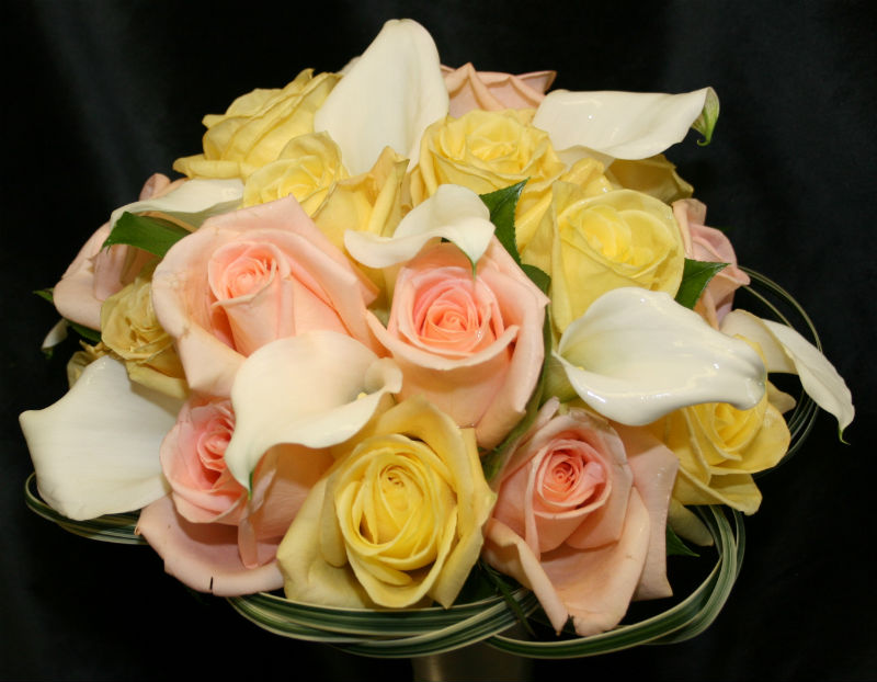 white soft yellow soft peach bouquet