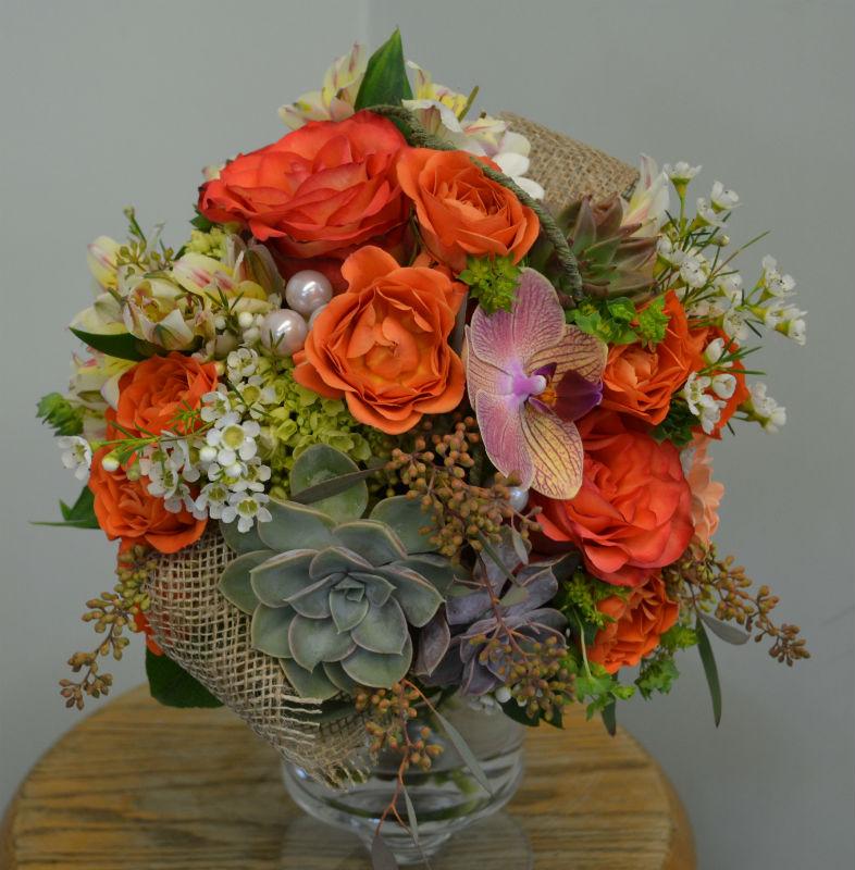 modern fall bouquet