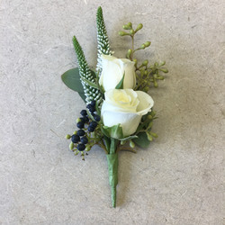 assorted cluster with spray roses