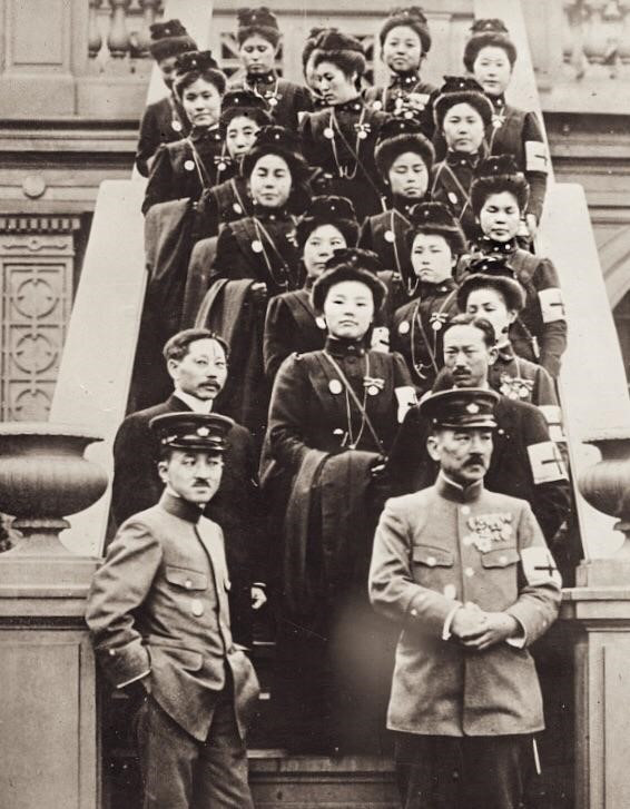 Japanese nurses and doctors from the Japanese Red Cross pictured in New York en-route to the Western Front, 1915.