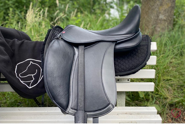 EDIX Tudor Dressage Saddle