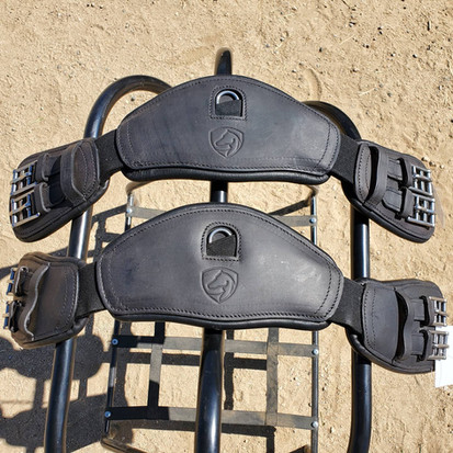 Anatomical Girths for Treeless Dressage Saddle