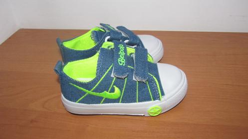 977d5639910a34 Стильные кеды текстильные для мальчика на двух липучках. Промежуточный  вариант между кроссовками и босоножками. Красивая расцветка: синие с  салатовым.