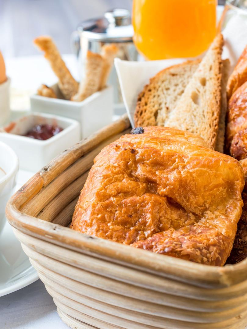 Continental Kiwi Breakfast