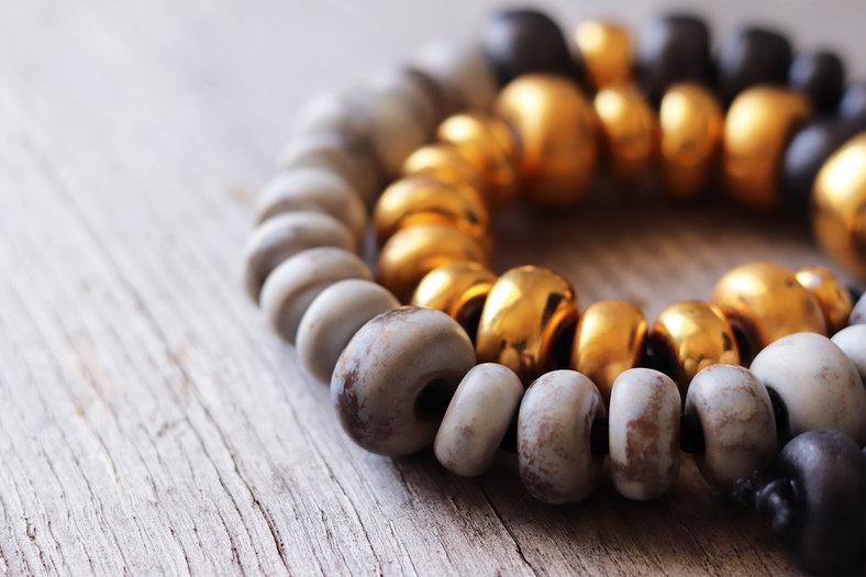 collier-perles-porcelaine-or-Camille-Est