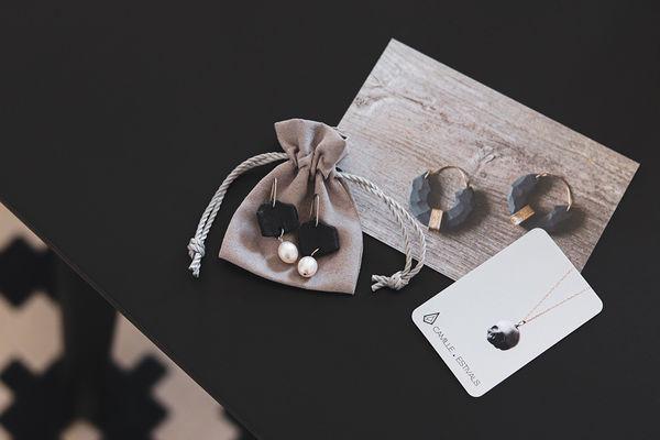 bijoux-contemporains-porcelaine-Camille-